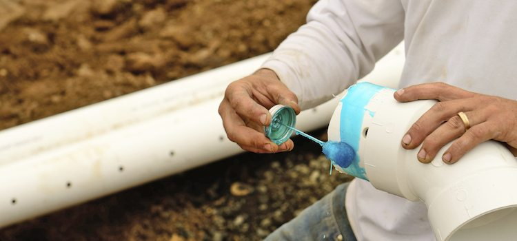 Как загерметизировать канализационную канализационную трубу: материалы, способы.