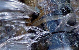 Чем заделать трещину в чугунной канализационной трубе