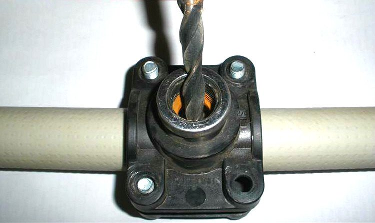 как врезать трубу в трубу отопления