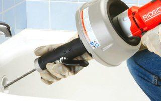 Устройство для прочистки канализационных труб