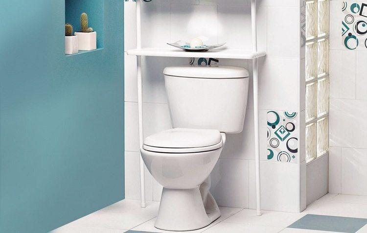 Закрыть трубы в туалете пластиковыми панелями