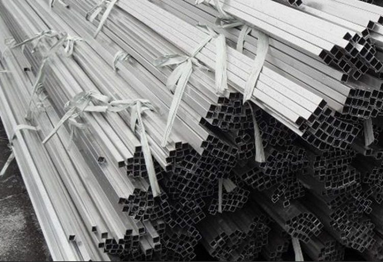 Алюминиевая труба профильная квадратная