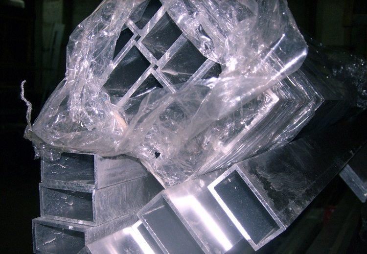 Труба профильная прямоугольная из алюминия