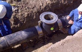 Врезка в трубу водопровода