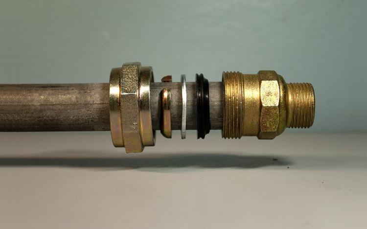 Муфты для соединения металлических труб