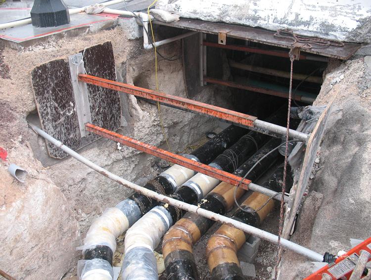Трубопроводы горячей воды и пара