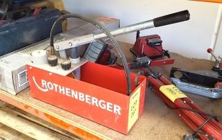 Ручной гидравлический пресс для опрессовки трубопроводов