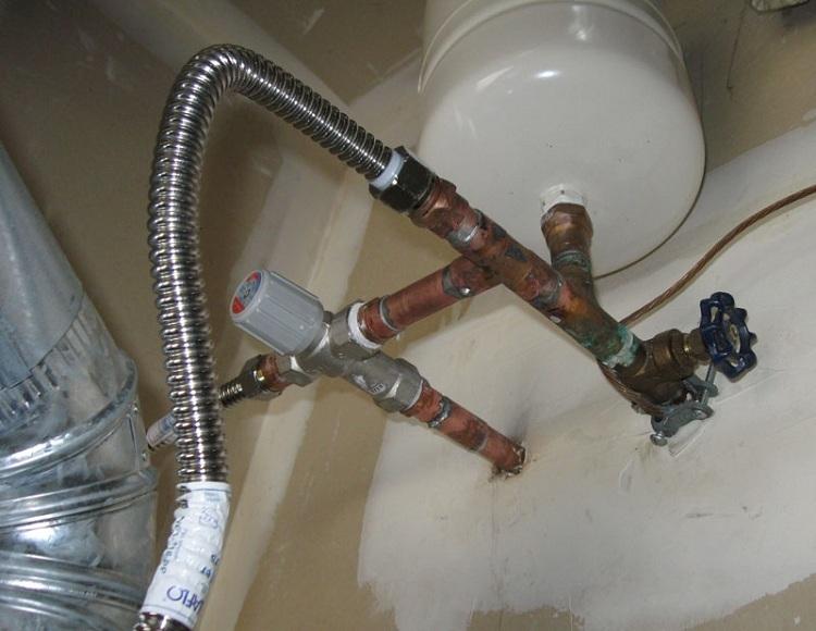 Сильфонная подводка для воды и газа