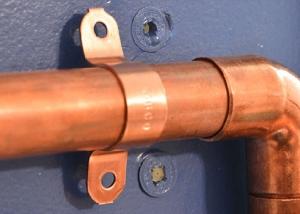 Скоба металлическая двухлапковая