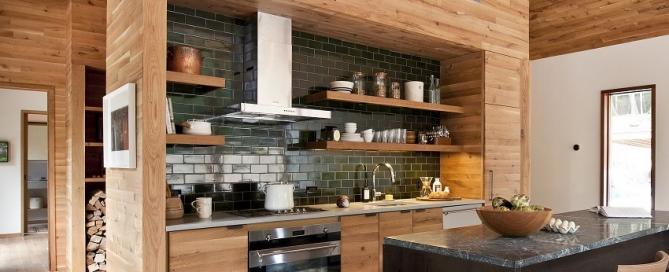 Как спрятать гофру на кухне от вытяжки
